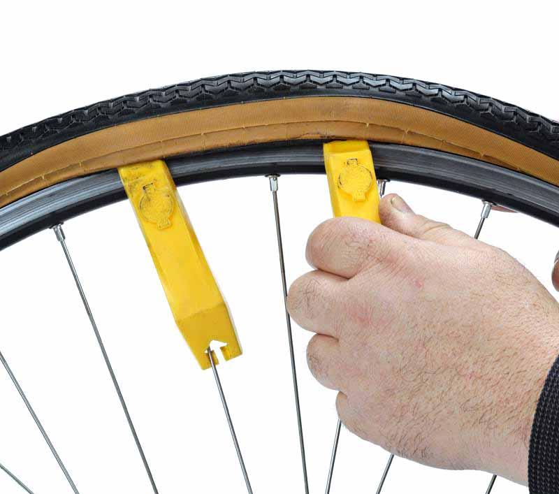 Как заклеить камеру на велосипеде в домашних условиях видео