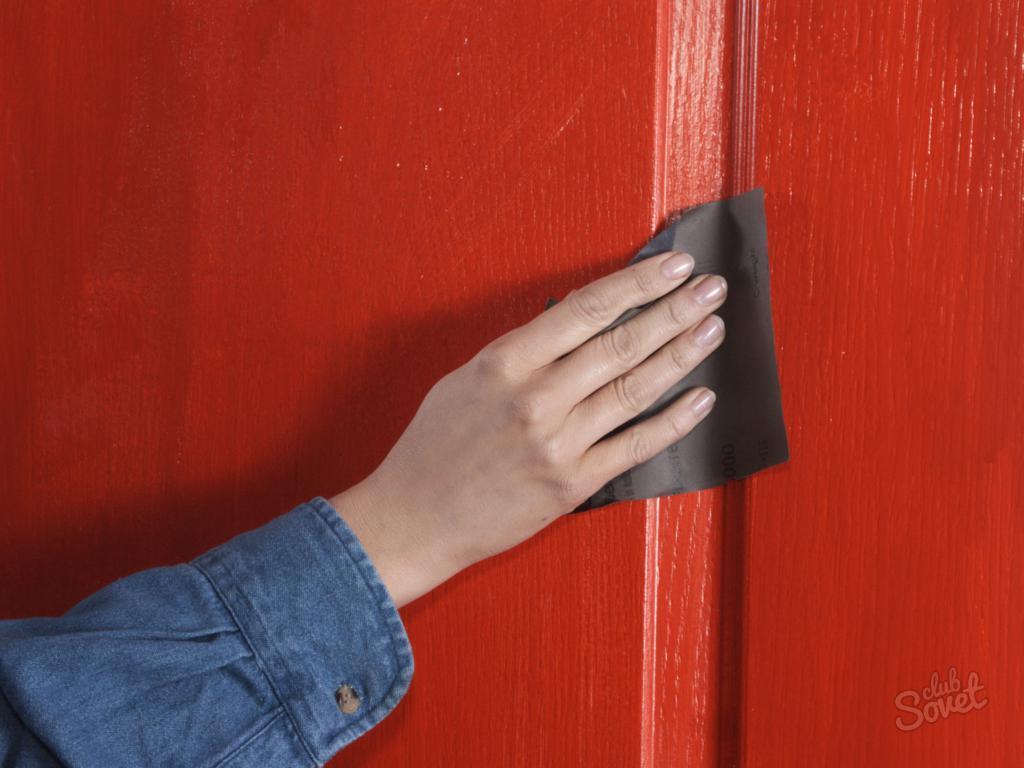 Как покрасить межкомнатную старую дверь своими руками