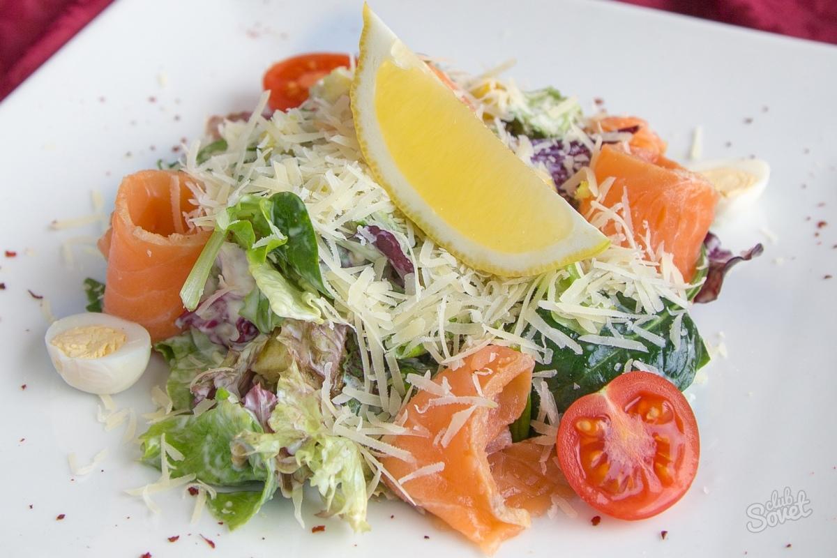 Салат цезарь с красной рыбой соленой рецепт