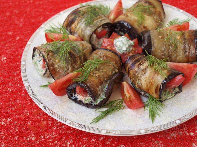 Салат на праздничный стол из баклажанов