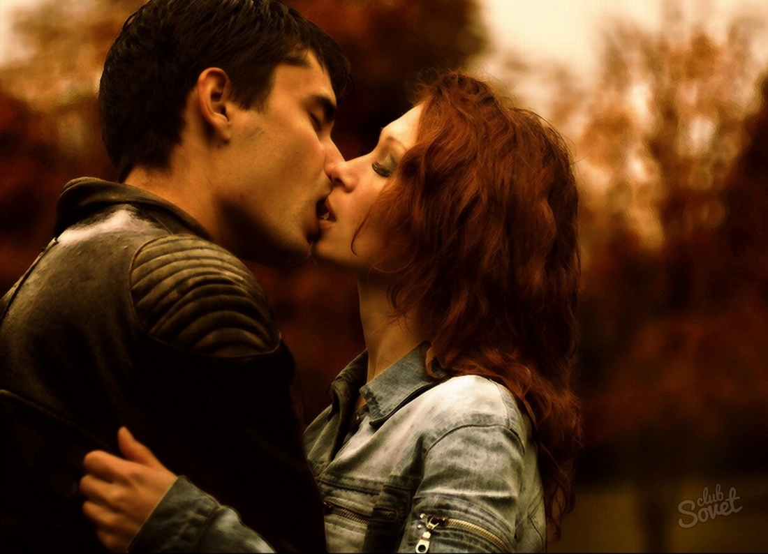 Фото девушек целующихся с мущина 28 фотография
