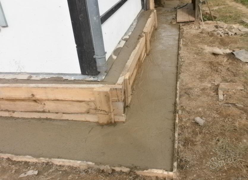 Как поднять дом на фундамент своими руками