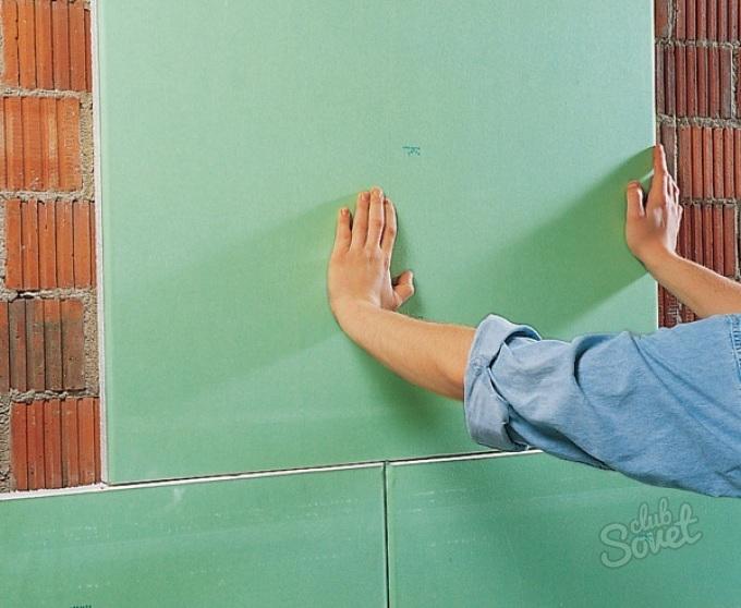 Приклеить гипсокартон к стене своими руками