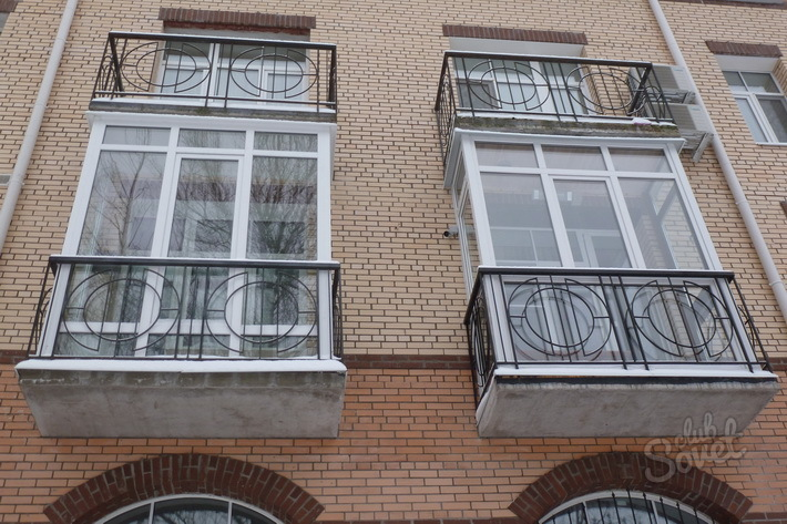 Как недорого застеклить балкон. конструкция для остекления б.
