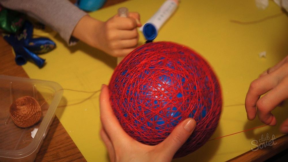 Что можно сделать из простых ниток своими руками