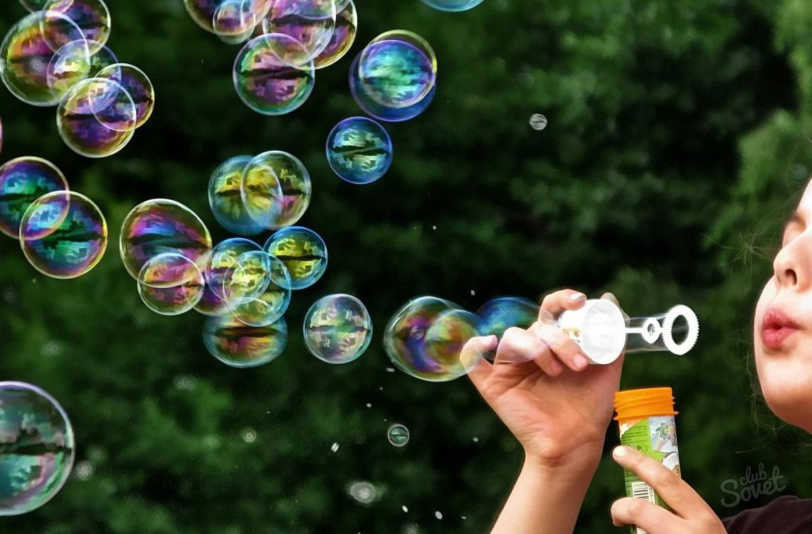 Чем дуть мыльные пузыри в домашних условиях