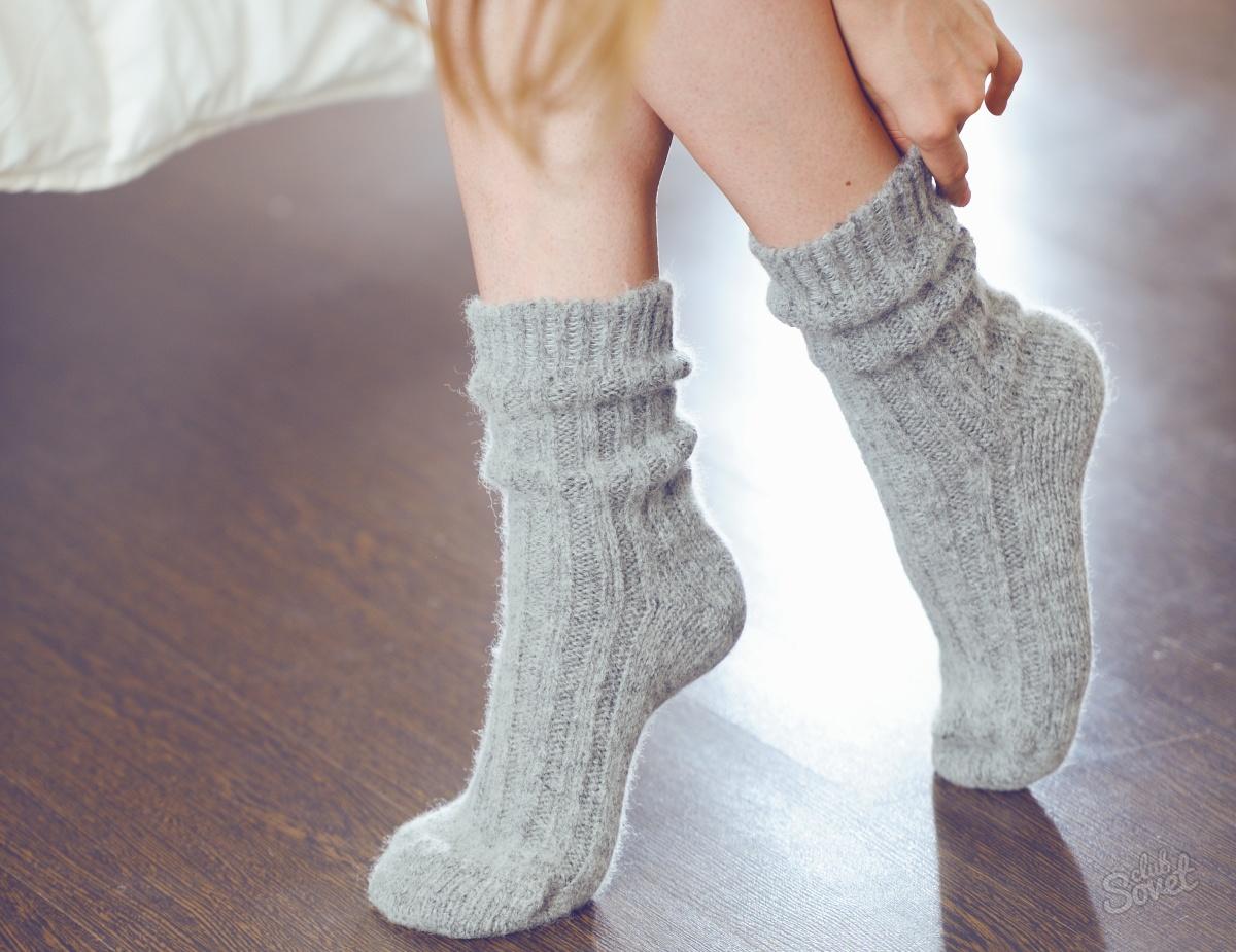 Фото девушек в теплых носочках