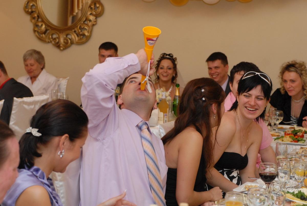 Шуточные призы для конкурсов на свадьбу