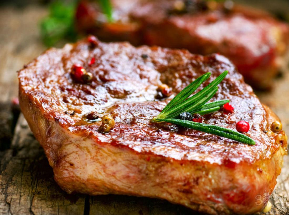 как сделать стейк из свинины на сковороде