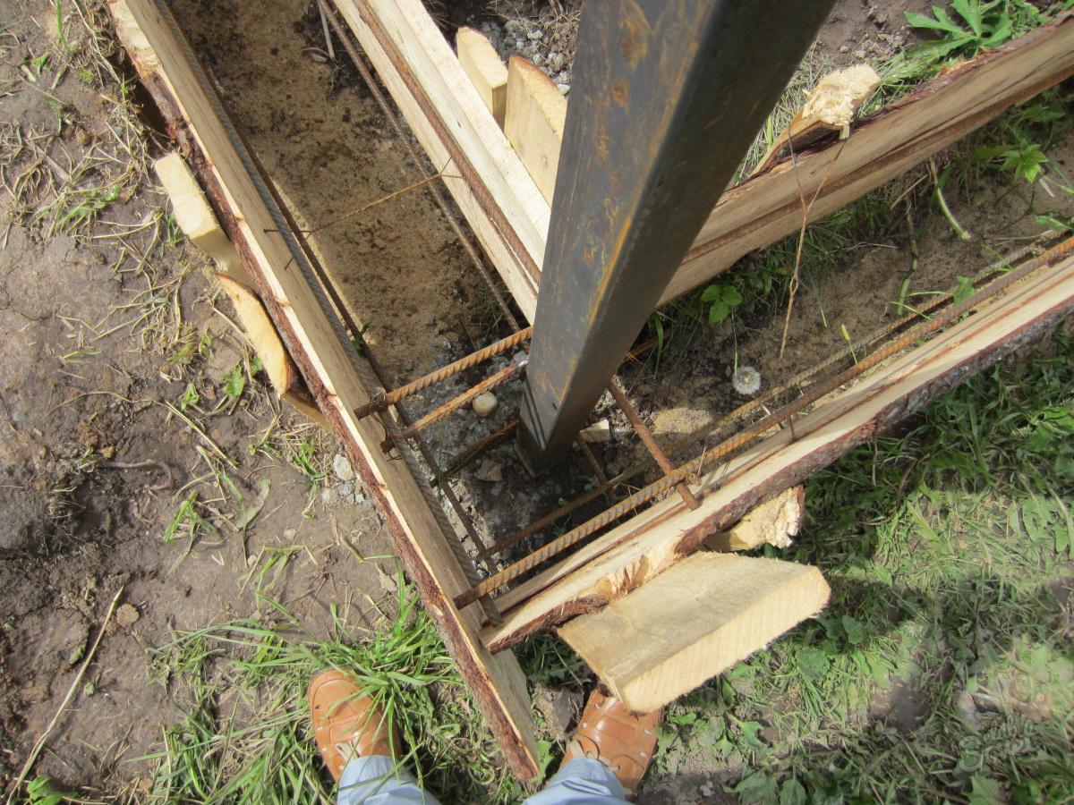 Фундамент под забор своими руками фото 62