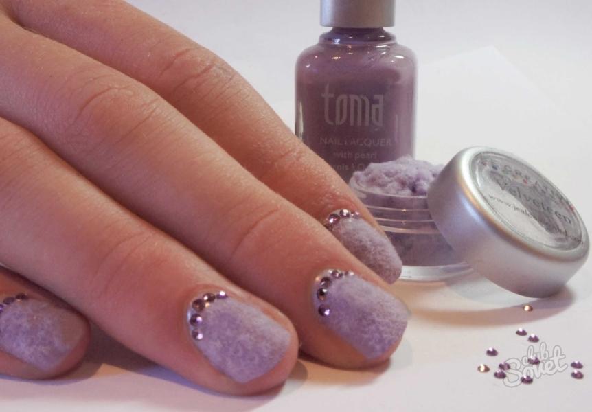 Фото бархатного песка на ногтях