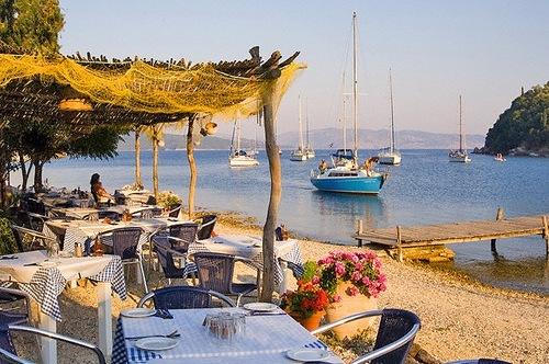 Гостиницу в Лесбос на берегу моря
