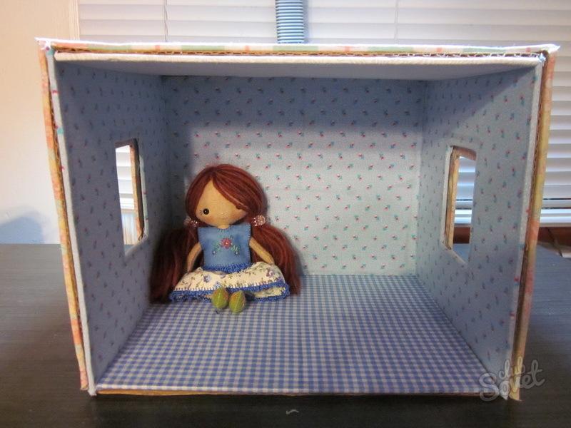 Кукольный дом на коробке