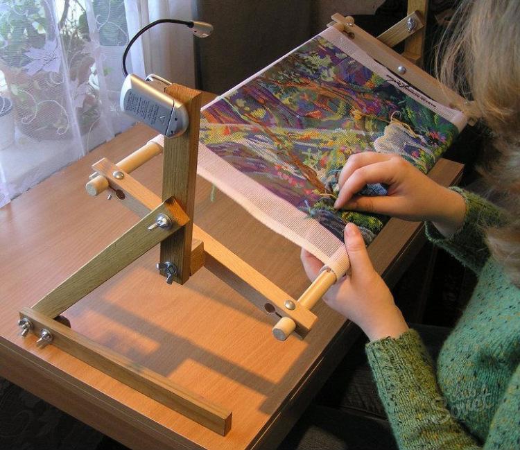 Станок для вышивания сделать своими руками