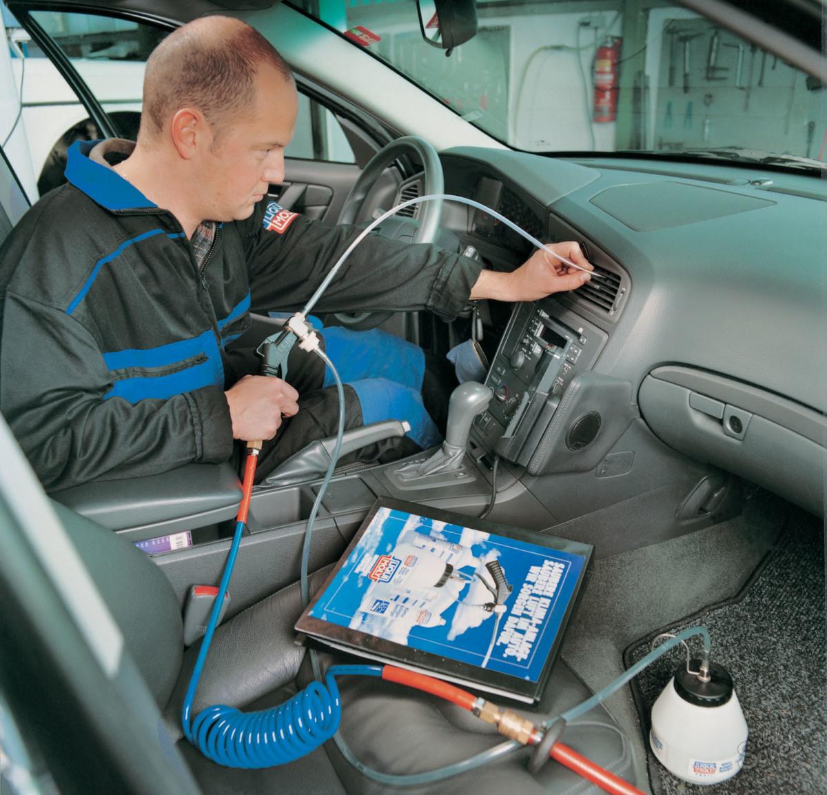 Как своими руками почистить кондиционер в автомобиле