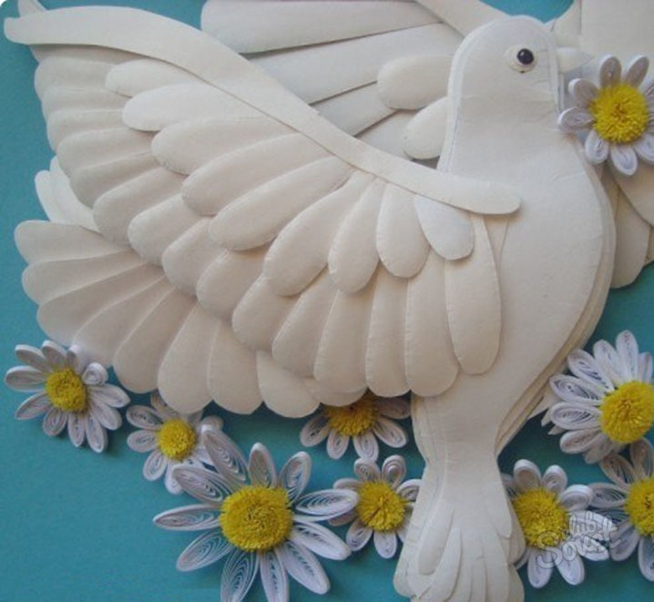 Открытки с бумажными голубями