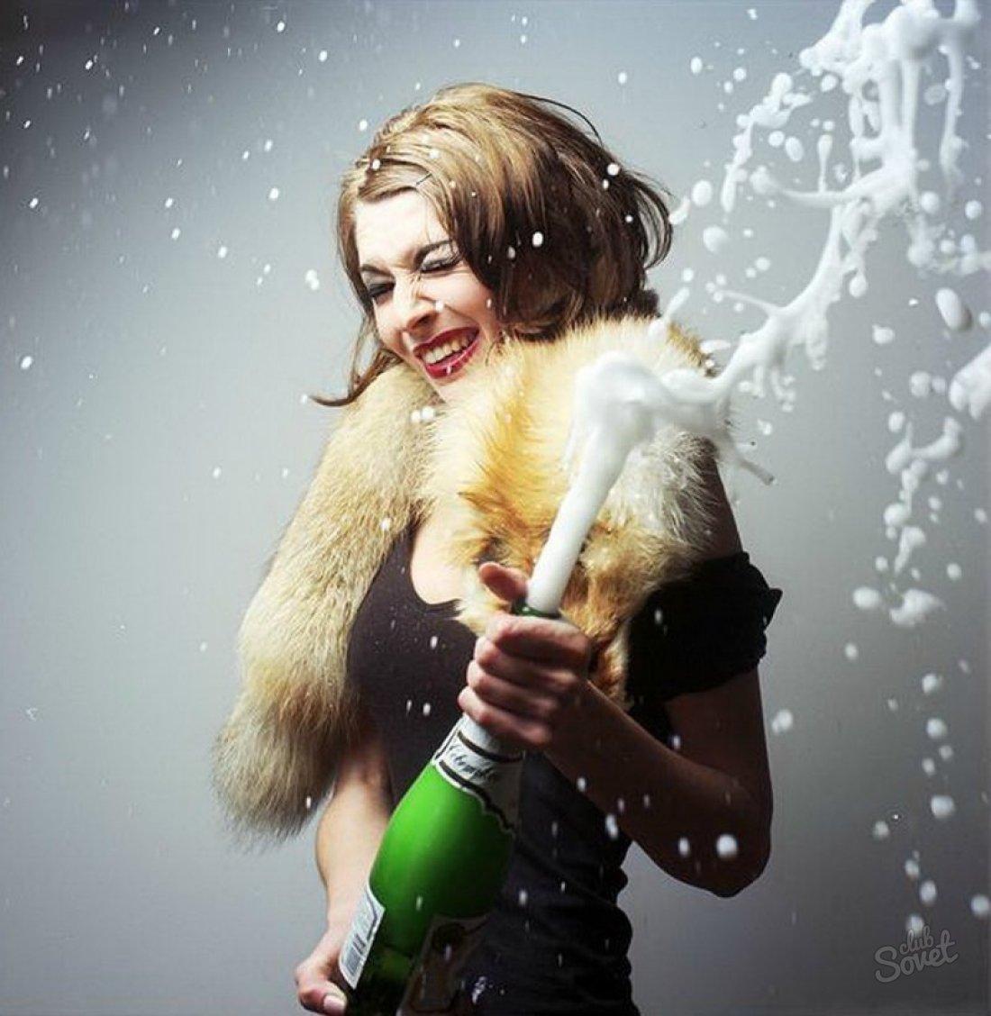 Девушка с шампанским картинка