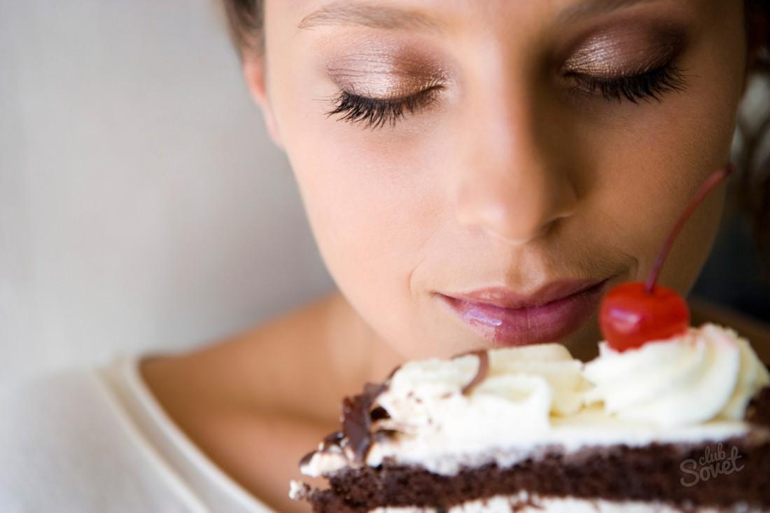 Картинки девушка ест сладкое
